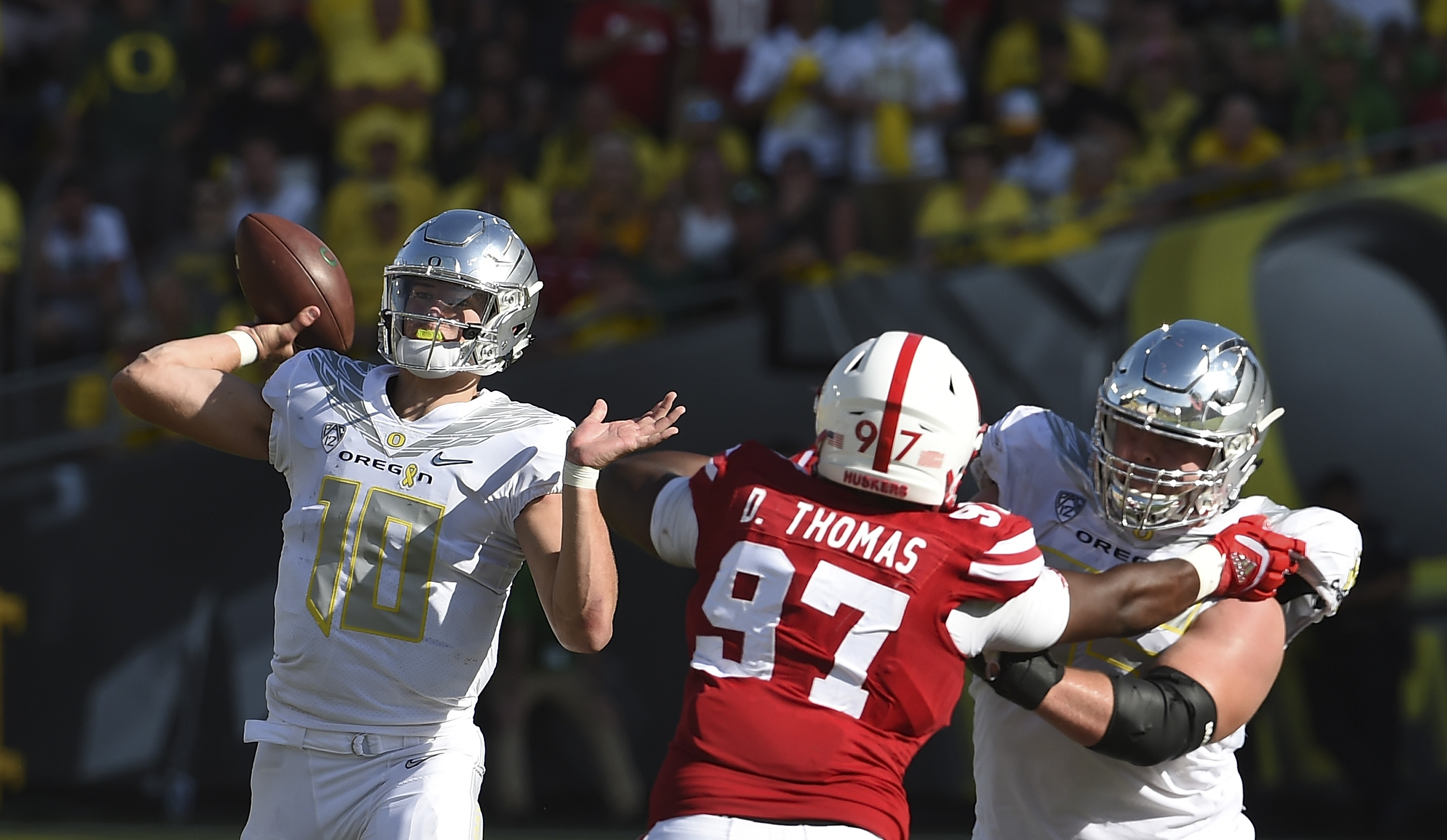 oregon football in front of nfl scouts justin herbert outshines